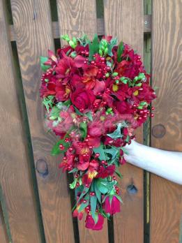 Букет из хризантем, розы кения, фрейзии, альстромерии