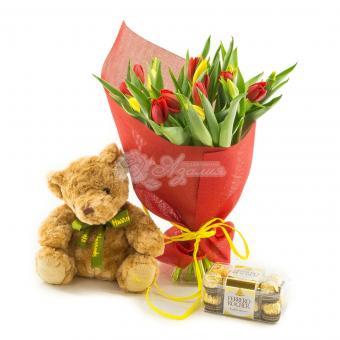 Набор из 21 тюльпана, медведя и конфет